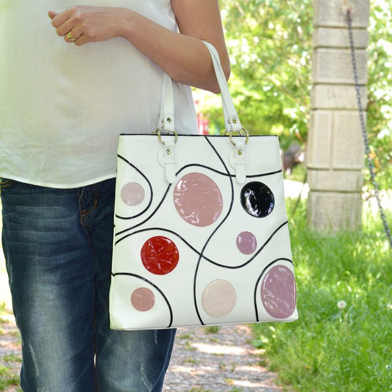 geanta mare piele naturala cu accesorii buline piele lac